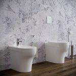 Sanitari-bagno-in-ceramica-filo-muro-vaso-wc-bidet-coprivaso-softclose-azzurra-pratica-3